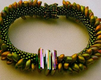 Bead Crochet Bracelet Pattern:  Spikes Two