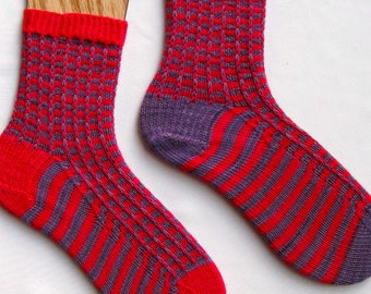Knit Sock Pattern:  Easy Two Color Mismatched Socks Knitting Pattern