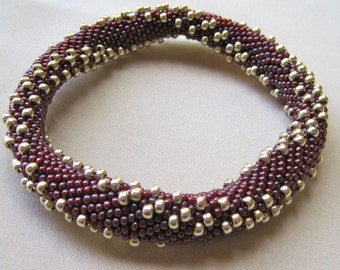 Bead Crochet Bangle Pattern:  Double 8's Bead Crochet Bangle (Variations 1 and 2)