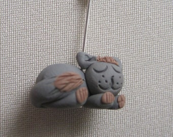 """Knitting Stitch Markers:  4 Grey and Brown """"Cat-Napping"""" Kitten Stitch Markers"""
