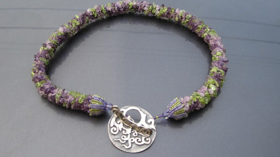 Bead Crochet Pattern: Amethyst and Peridor Gemstone Chip Necklace