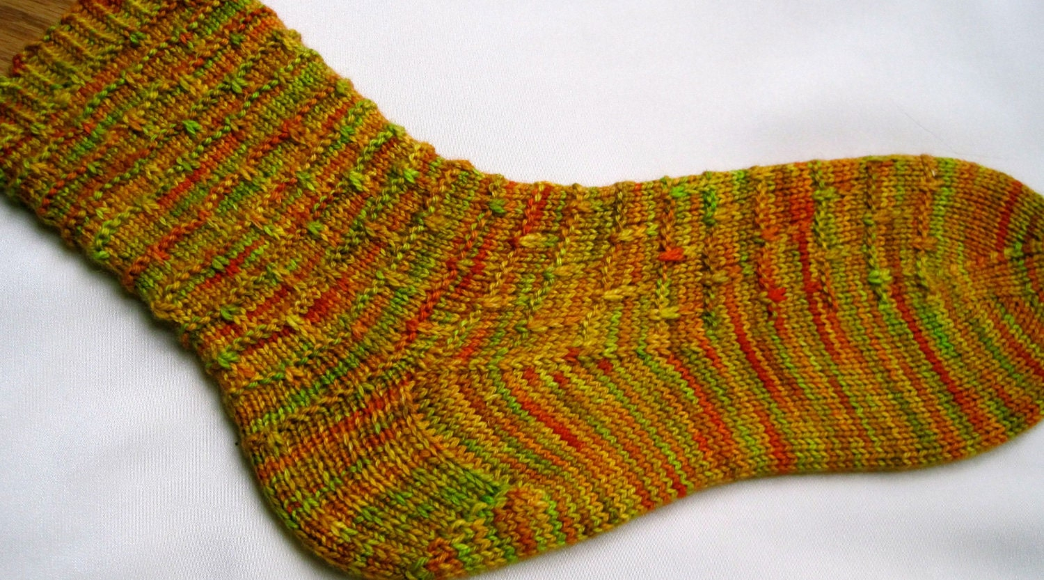 Knitted Sock Pattern: Easy Slipped Stitch Knitting Sock