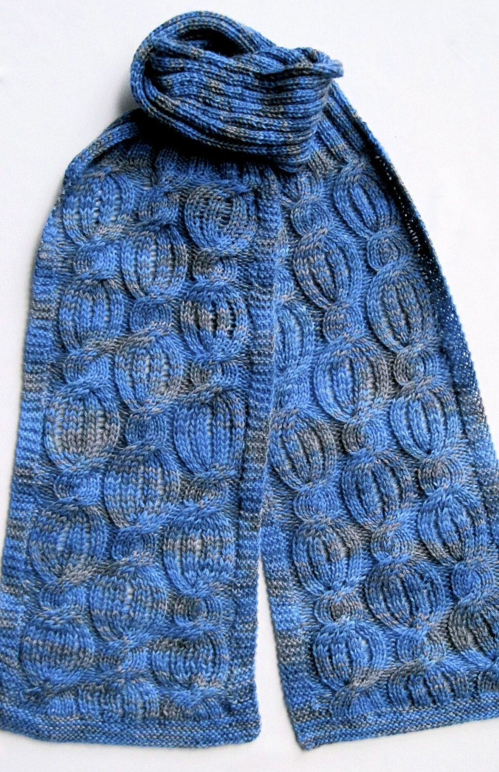 Knitting Stitch Patterns Scarf : Knit Scarf Pattern: Drop Stitch Cabled Turtleneck Scarf