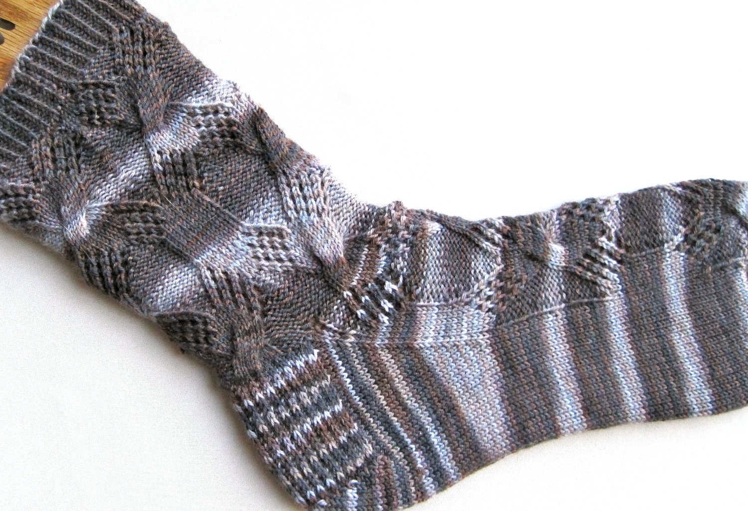 Cable Knit Socks Pattern : Knit Sock Pattern: Diamond Lace Cable Knitted Sock Pattern