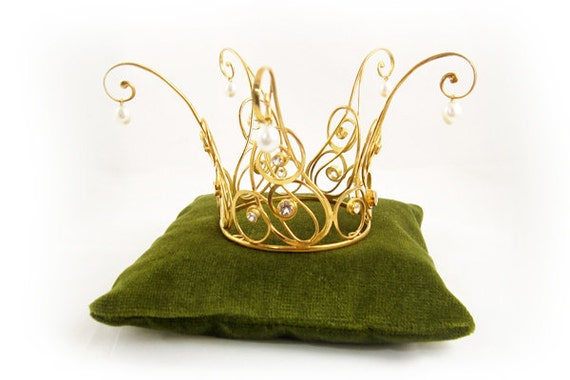 Items similar to Golden Fairytale Princess Crown of gold ... Gold Princess Crown