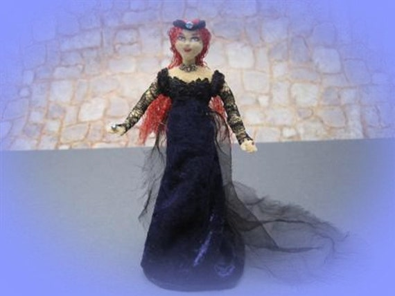 Renaissance Medieval Lady Soft Sculpture Art Doll Miniature by Marie W. Evans