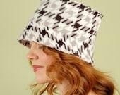 polar fleece winter hat-REGGIE- Black and White Houndstooth