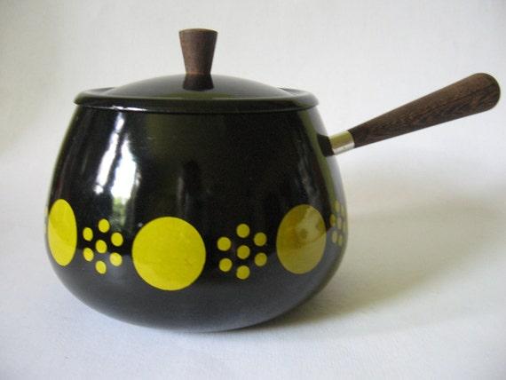 Super retro heavy iron pot teak handles small black yellow mod dot print