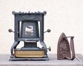 Antique French Sad Iron and Antique Kerosene Iron Heater Flat Iron Rustic Houseware Country Vintage Industrial Home Decor elitett tbteam