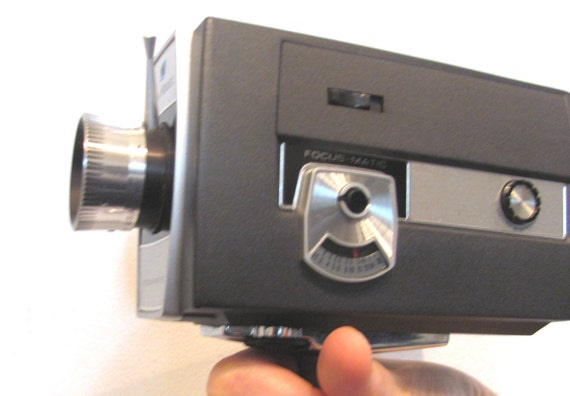 Super 8 Video Camera / 1960s Bell and Howell Focus Matic Model 435