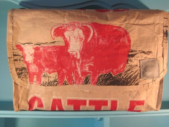 brown with red cows cattle cube bag recycled upcycled feed. Black Bedroom Furniture Sets. Home Design Ideas