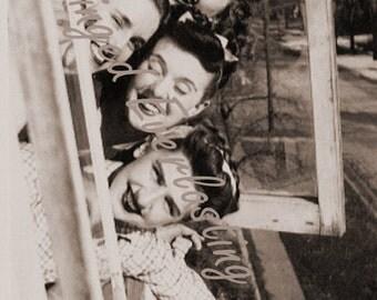 Retro Teen Girls Photo 1940's   vintage digital download