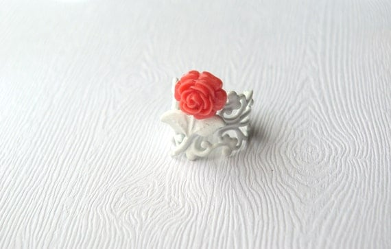 Chico Salmon Pink Rose on White Filigree Ring