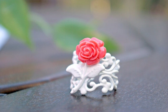 Chico Salmon Pink Rose on White Filigree Ring