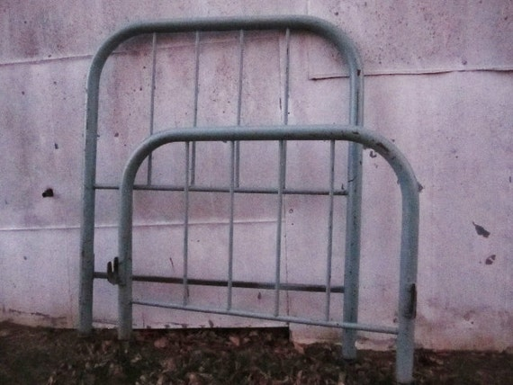 Vintage Chippy Metal Headboard And Footboard Bed Frame