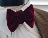 The George - Our velvet bowtie in wine red