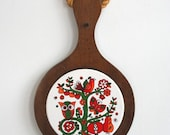 Hanging Woodland Paddle - Ceramic Trivet with Wood Base
