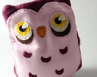 Raspberry and Pink Owl Heating Pad