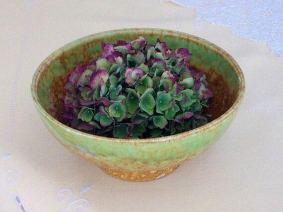 ON Sale, Vintage Ceramic Bowl, Haeger Usa, Nutmeg Green Art Pottery Dish, CIJ, Christmas in July