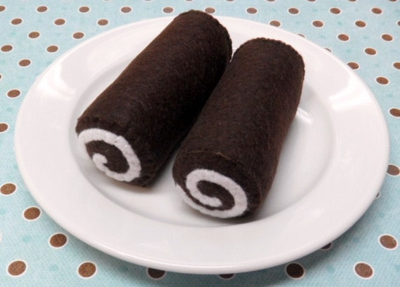 Items similar to Swiss Chocolate Cake Rolls - Felt Pretend Food for ...