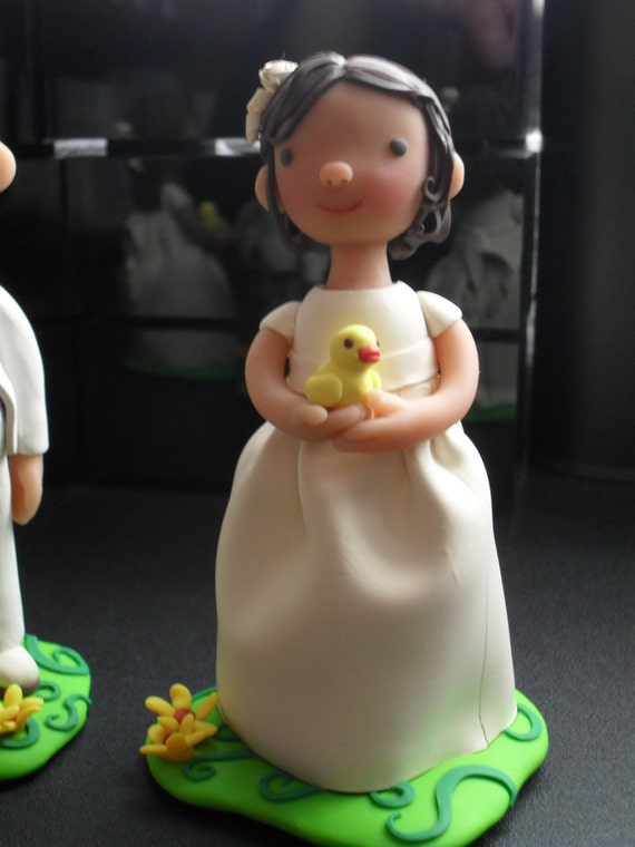 First communion Cake topper, made to order in polymer clay. One figurine .