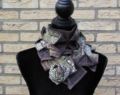Scarf Elegance Brown & Green of Grey color
