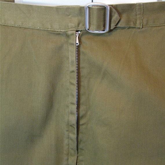 37W-48H, pedal pushers, vintage 60s capri pants, side zipper, khaki cotton, size large / modern size 14 or size 16, Bobby Lou