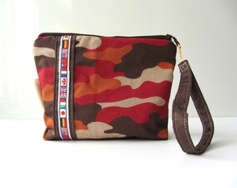 Travel bag kids Red army camouflage travelling the world.