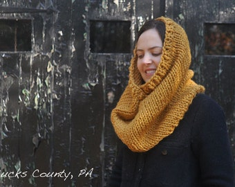 Beginner Knitting Pattern Infinity Scarf Cowl - Easy