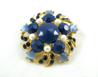 "Pearl and Blue Crystal Brooch in Matte Gold 2"" in diameter"