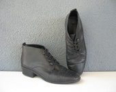 Vintage Granny Booties in Black Leather, size 7.5