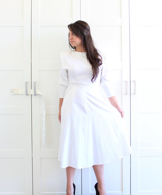 Vintage Button Back Dress, White Long Sleeves Day Dress with Dress Pockets, Flare Skirt Bridal Wedding Dress, size