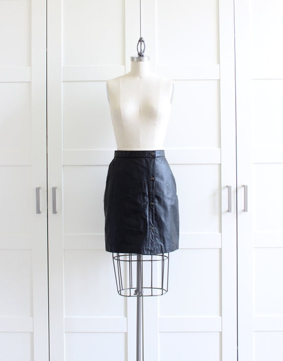 Vintage Black Leather Skirt / 1980s 80s Mini Skirt / Small