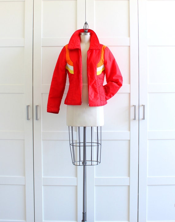 Vintage Colorblock Ski Jacket, Red 1970s Puffy Winter Coat, Colorful Waterproof Snow Coat, size Small Medium