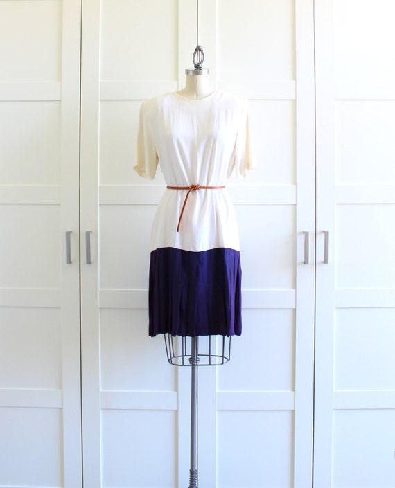 Vintage Dress, Drop Waist Dress Pleated Skirt Pleat Dress, Back to School Dress, XL Plus Size