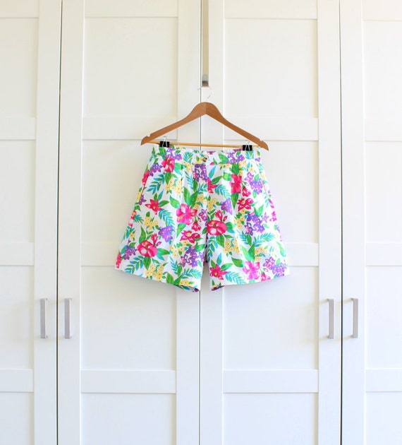 High Waisted Floral Shorts, 80s 90s Highwaist Pleated Shorts, size Large