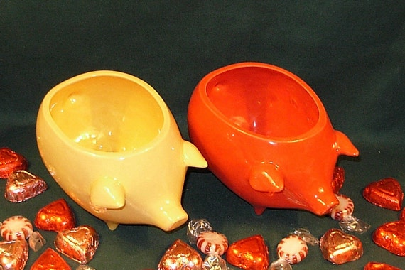 Ceramic Pig Planter / Soap Dish / Scrubby Holder - Cranberry Red