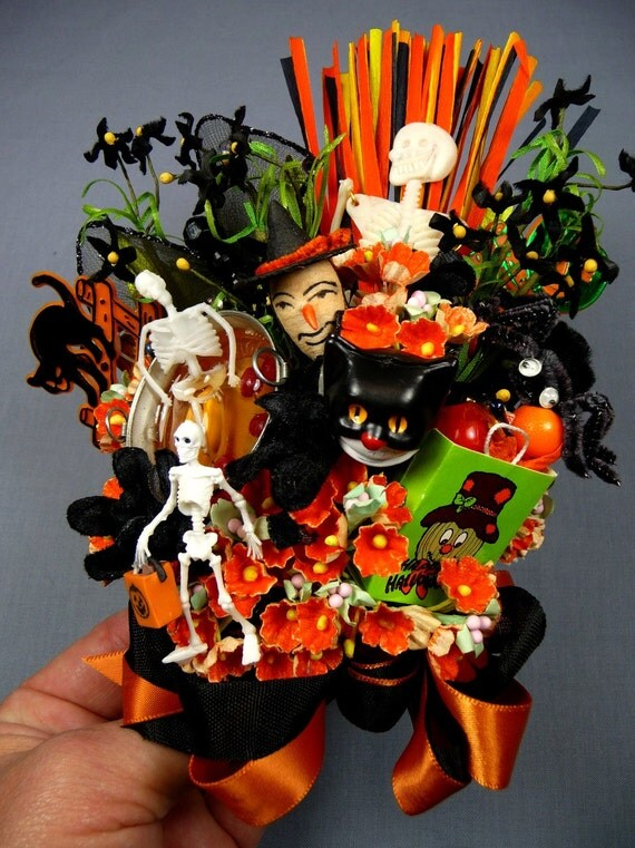 SALE Vintage Halloween Decoration Corsage Trick or Treat Witch