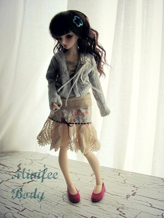 Vintage crochet doll skirt