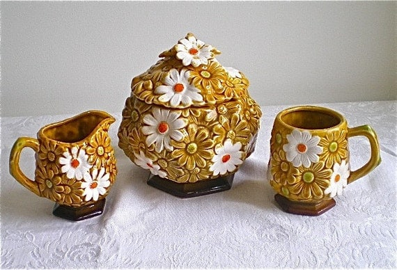 Daisies, Flowers, Vintage, Dishes, Cookie Jar,  Cup, Creamer, Fred Roberts Company, 4pc Set, Ceramic, SALE, was 20 now 15