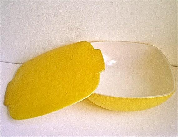 Yellow, Milk Glass, Vintage Dish, Pyrex, Casserole, Retro, Refrigerator Dish, 1950's, 1960's