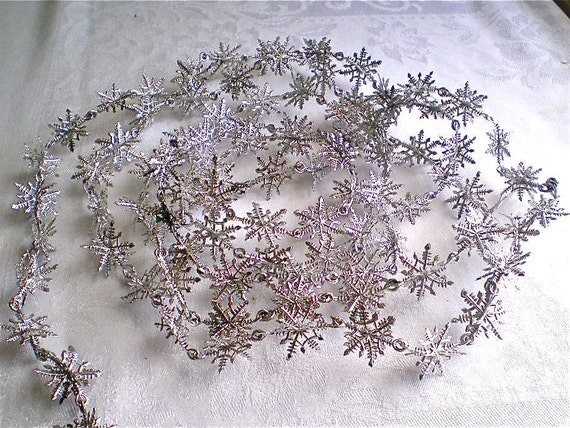 Christmas, Vintage, Garland, Silver, Snowflakes, Home Decor, Plastic, 1970's, 9 feet long