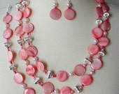 Long Peach Mother Of Pearl Necklace, 3 Piece Set, Chunky Statement Necklace, Large Bead Necklace