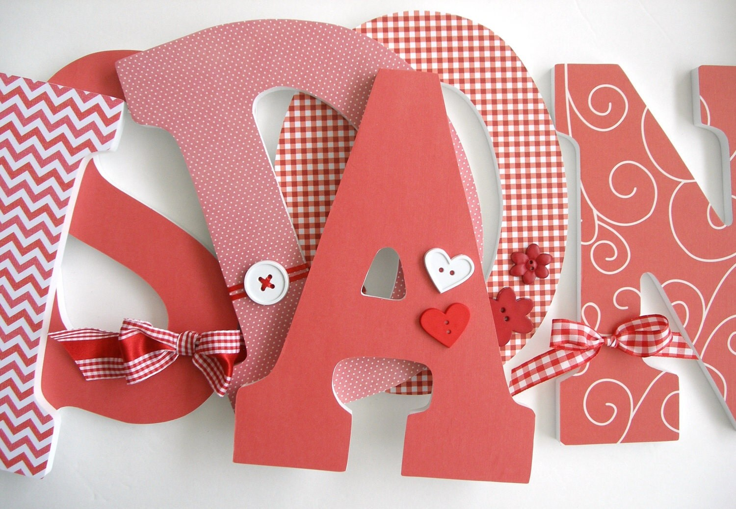 Red custom decorated wooden letters personalized nursery name for S letter decoration