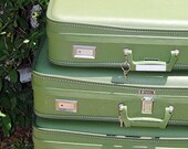 OliveGreen Vintage Wheary Luggage Suitcase with Key