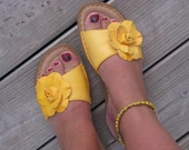 Yellow Ankle Bracelet -Ankle Candy in Speckled Yellow, Round Beaded Ankle Bracelet