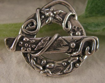 Sterling Silver Artisan Toggle - - Woodland Flower Clasp with Flowers and Swirls -  AC199