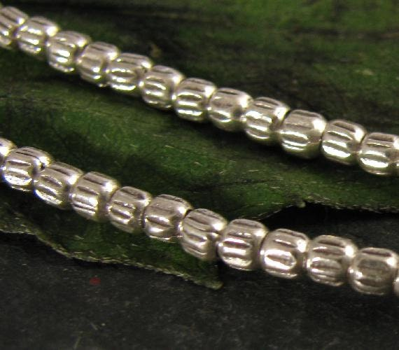 100 Fine Silver Seed Beads, 2.5mm - Karen Hill Tribe Beads with Oxidized Grooves MB173a