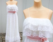 Vintage 70s White Tired Lace Maxi Prom Wedding Dress