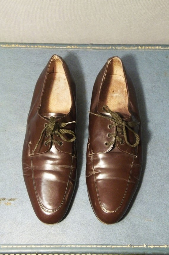 Vintage Brown Leather Oxfords. Size women 9M  (40 Euro)